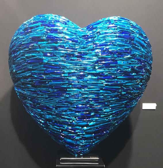 alfredo-longo-coeur-sculpture-récupération-canettes