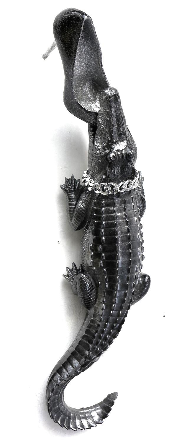 mr-live-crocodile-sculpture-résine-talon-aiguillie