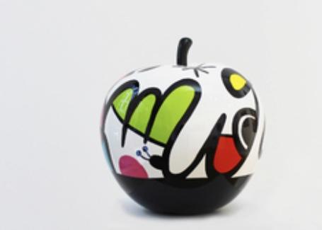 benedicto virginia sculpture pomme acrylique